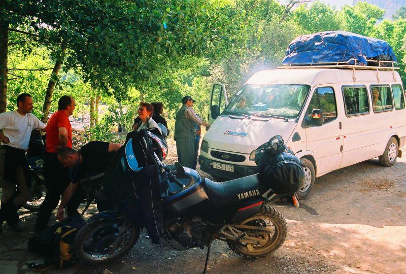 55parkinglotatiminwargmay2008.jpg